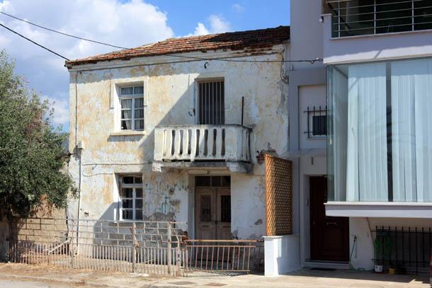 старый домик в Греции