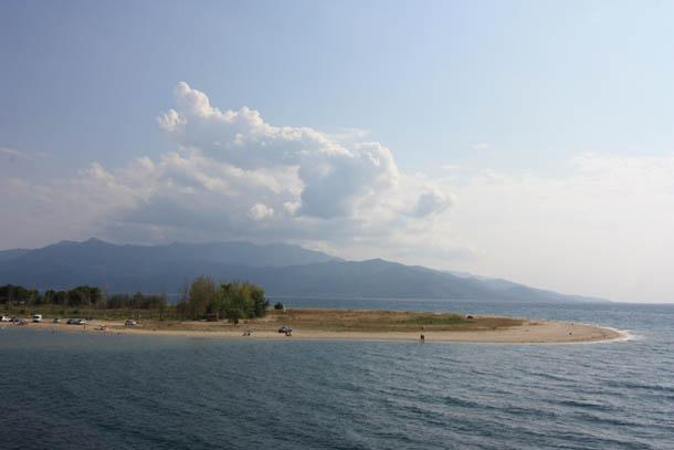 Песчаный пляж в Керамоти