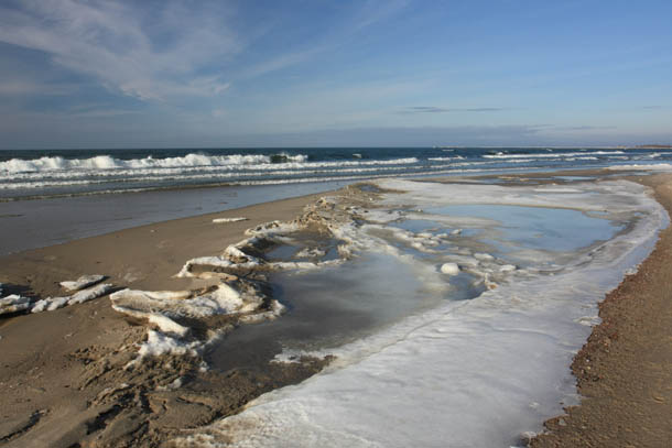 морское побережье в Феврале