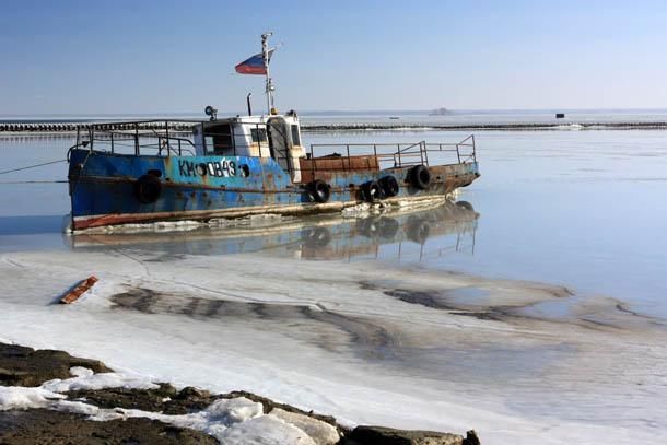 рыбацкое судно с Российским флагом