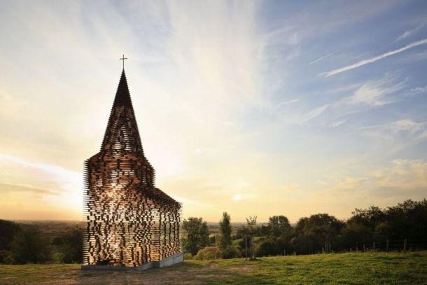 Воздушная церковь в Бельгии