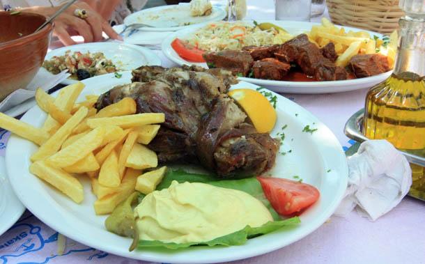 Вкуснейшие блюда из баранина и свинины в Греции