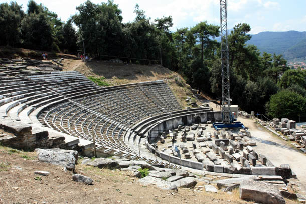 Реконструкция амфитеатра в Лименасе