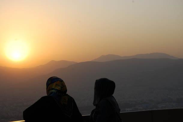 Я и дочь. Иран. Пейзаж, достойный кисти художника