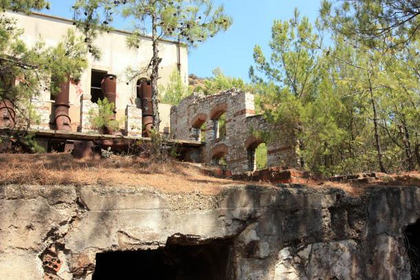 Развалины завода на острове Тасос
