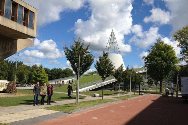 Дельфтская архитектурная библиотека в Нидерландах