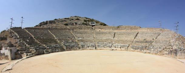 Панорама амфитеатра в древних Филиппах