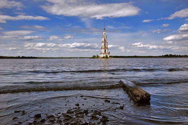 Затопленная колокольня Калязин