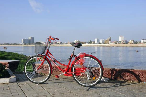 в Пномпени - приобрел средство передвижения