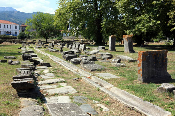 прогулка среди древних камней