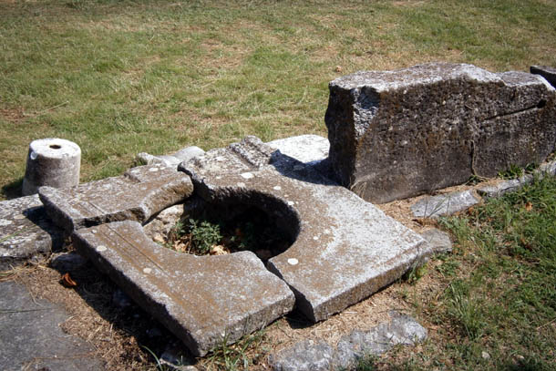 останки древних строений в Греции