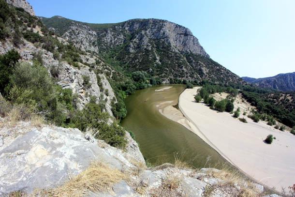 Солнечная панорама гор в Греции