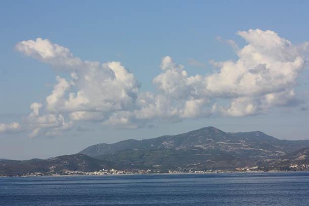 Греция - вид на материк с парома