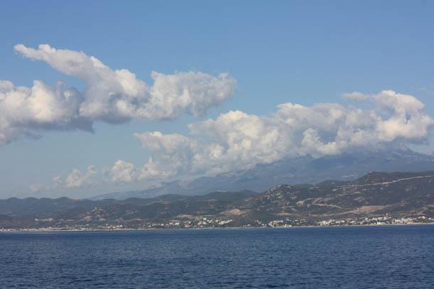 Греция и облака