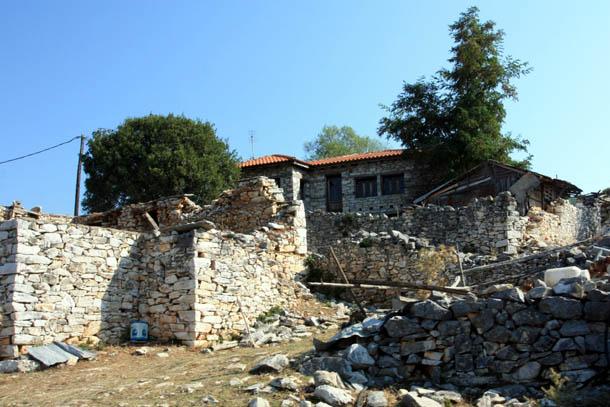 старый дом из камня