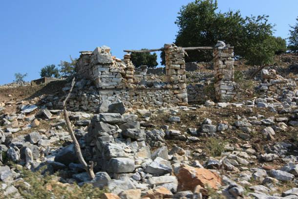 останки каменных домов