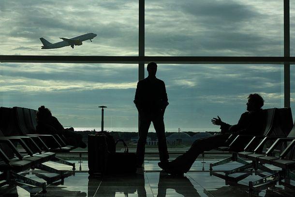 В зале ожидания в аэропорту
