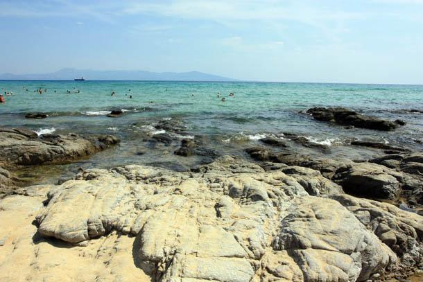 Море, небо и скалы