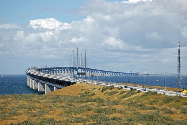 Начало Эресуннского  моста