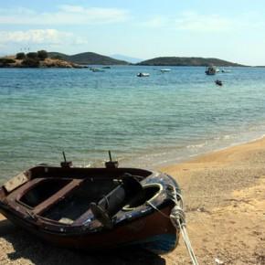 Неа Перамос — пляж и развалины крепости