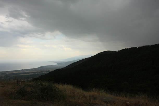 Черное небо над Грецией