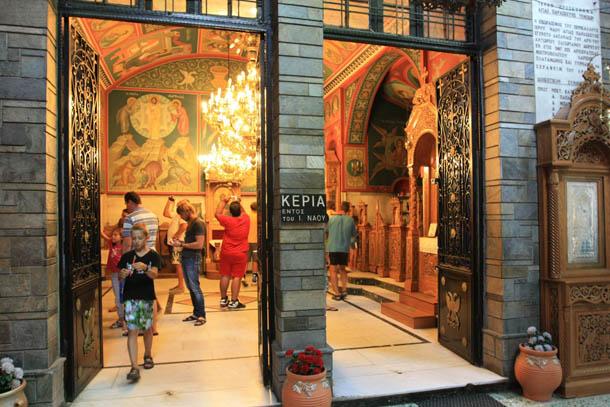 вход в Церковь Параскевы
