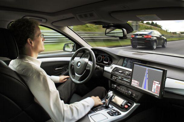 Вождение автомобиля БМВ