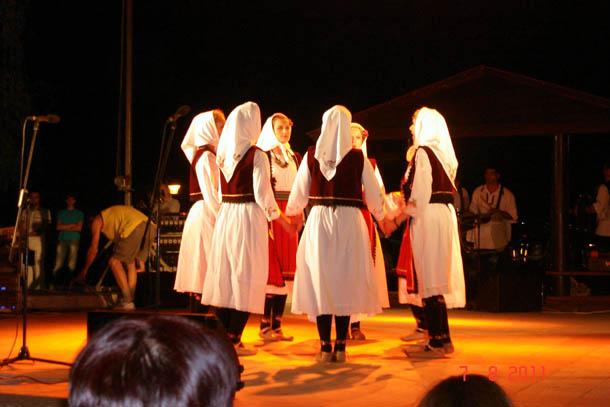 Уличный этно-концерт, г. Ниш, Сербия.