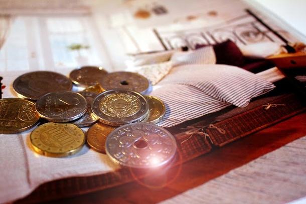 Монеты на обложке