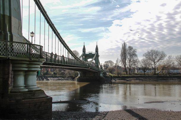Хаммерсмитский подвесной мост в Лондоне