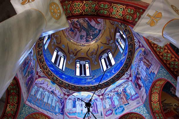 потолок крестильни