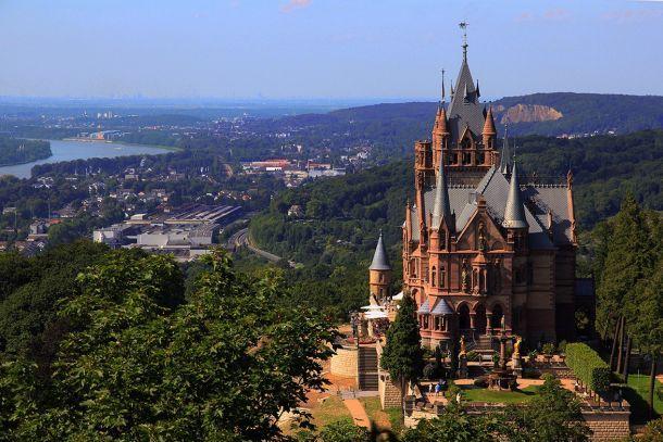 Замок Драхенбург в Германии