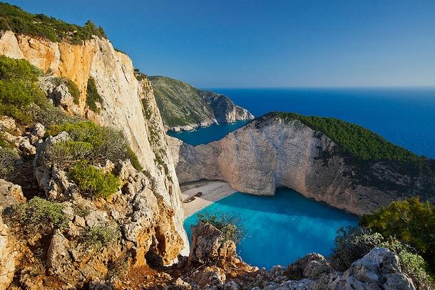 Бухта Навагио в Греции