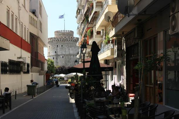 Вид на белую башню в Салониках
