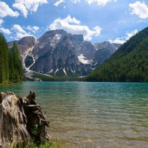 Озеро Брайес в Доломитовых Альпах