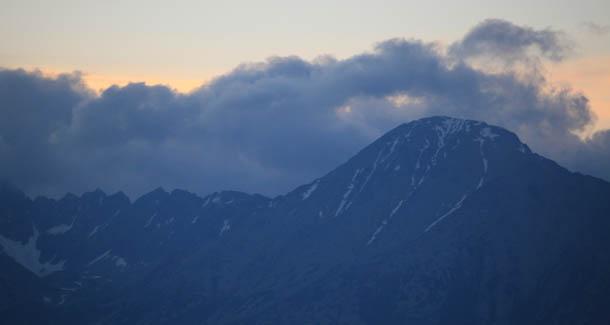 горы и облака - красивый вид