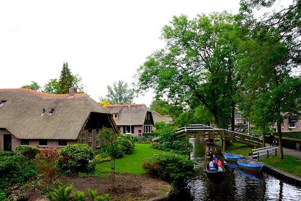 Деревенька Гитхорн в Голландии