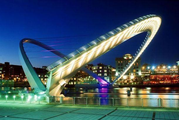 Гейтсхедский Мост Тысячелетия ночью