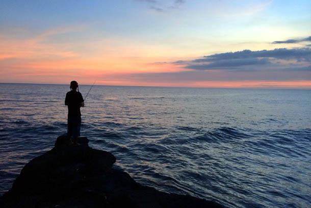 Остров Бали – закат в океане