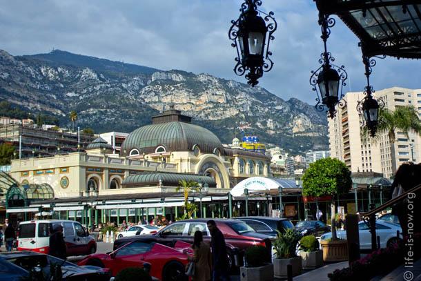 Монако, Крыльцо казино Монте-карло
