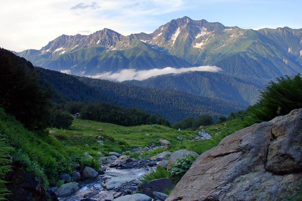 Кавказ, вид на гору Чугуш (3237 м)