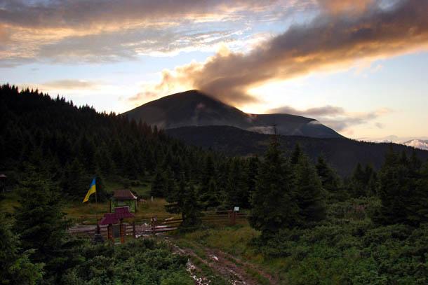 Карпаты, гора Петрос (2020 м)