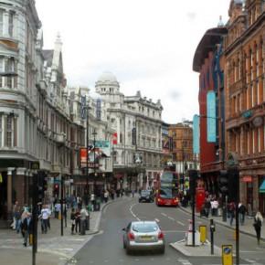 Шафтсбери-авеню в центре Лондона