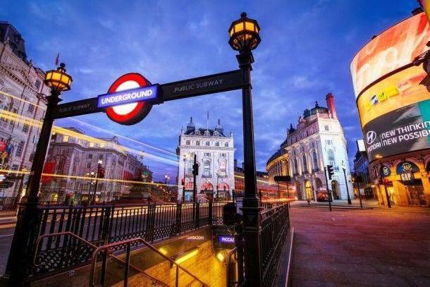 Пикадилли-серкус в Лондоне