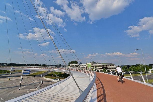 Внутренняя полоса моста Ховенринг