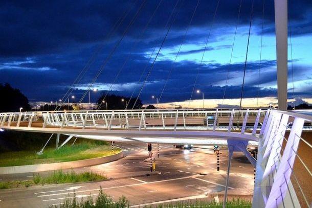 Подсветка моста Ховенринг от компании Филлипс