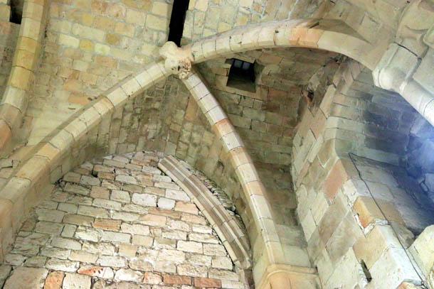 своды замка