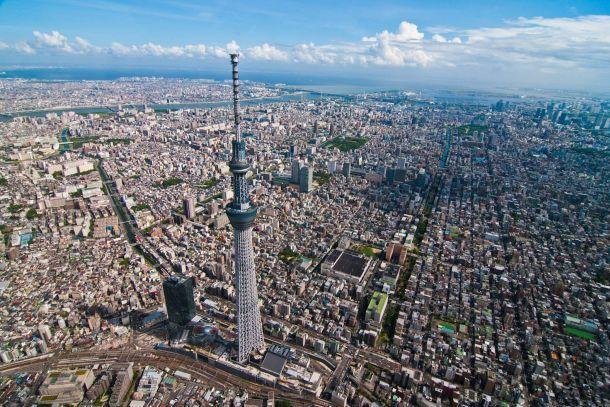 Вид на телебашню Небесное дерево Токио