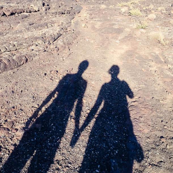 Вместе путешествовать веселее: прогулка по парку лунных кратеров в США