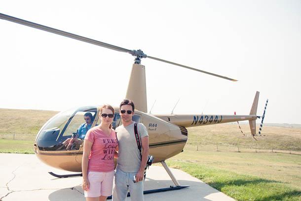 Мы с мужем перед полетом на вертолете над каньоном